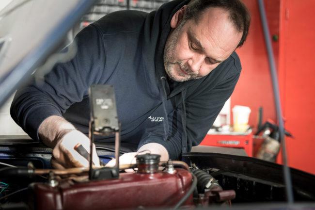 Automobile Genieser, Bad Dürkheim, Vorderpfalz, Spezialisten für Youngtimer und Oldtimer, Mitarbeiter, Team, KFZ Mechaniker, Werkstatt