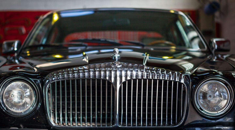 Automobile Genieser, Kontakt, Karosserie, Karosserie Richtbank, Werkstatt, Oldtimer, Youngtimer, Restauration, Reperatur, Luxuswagen