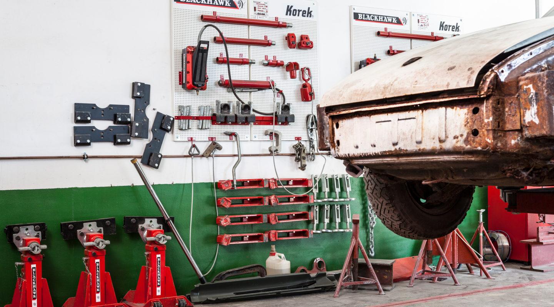 Automobile Genieser, Karosserie, Karosserie Richtbank, Porsche, Farbe, Werkstatt, Oldtimer, Youngtimer, Restauration, Reperatur