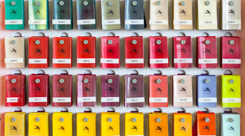 Lackierung, Automobile Genieser, Farbe, Farbton, Farbmessung