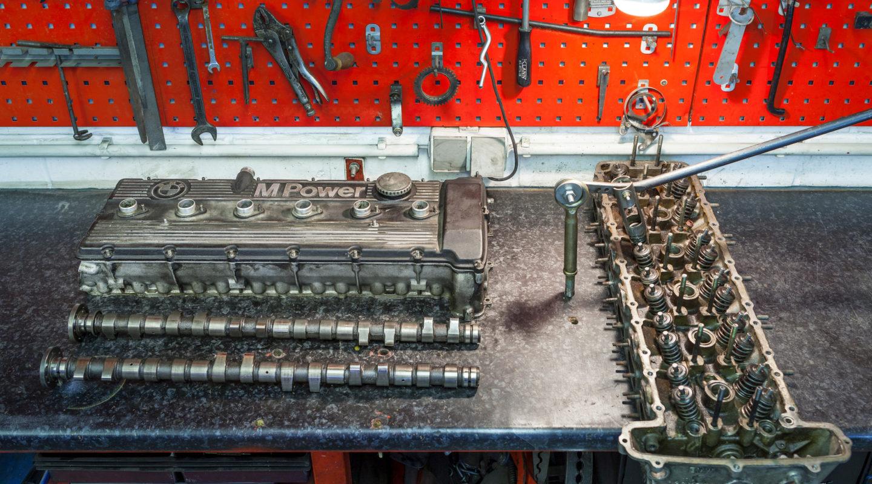 Automobile Genieser, Zylinderkopfbearbeitung, Moterreperaturen, Motoren, Zylinderkopf, individuelle Anpassung