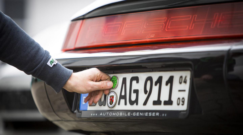 Haupt- und Abgasuntersuchung, AU, HU, Automobile Genieser, KFZ, Automobil